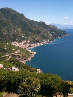 PRIVATE DAY TRIPS FROM AMALFI COAST WITH ENGLISH S...