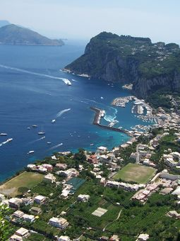 PRIVATE DAY TRIPS FROM AMALFI COAST